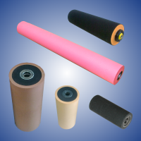 Pressure rollers rubberized with foam rubber